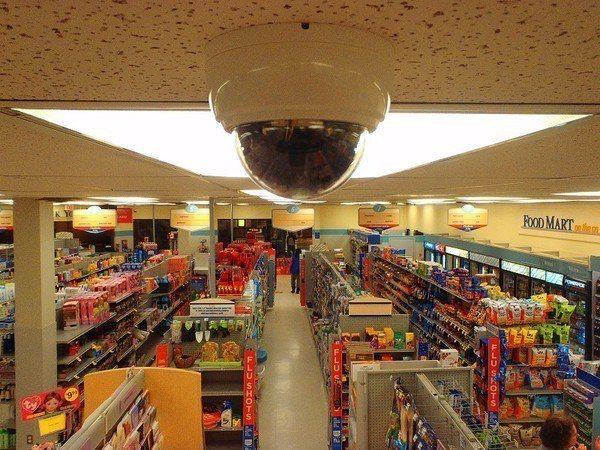 圖1 : 安控系統開始負起搜集商業活動資料的任務時,零售業者也就更能掌握消費者行...