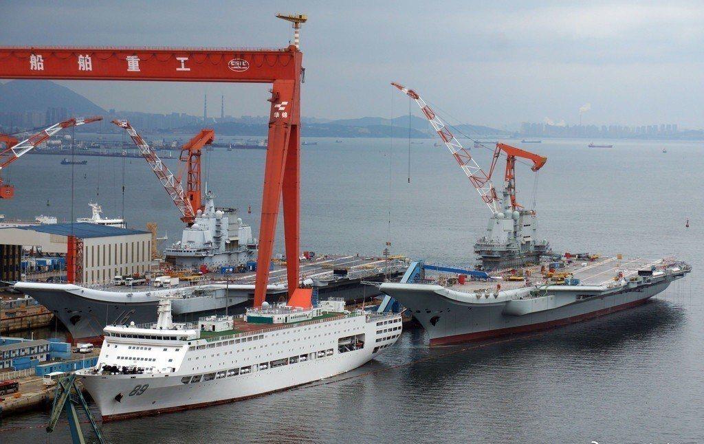這個角度可以發現大陸國產航艦,相較於遼寧號的改進之處。觀察者網