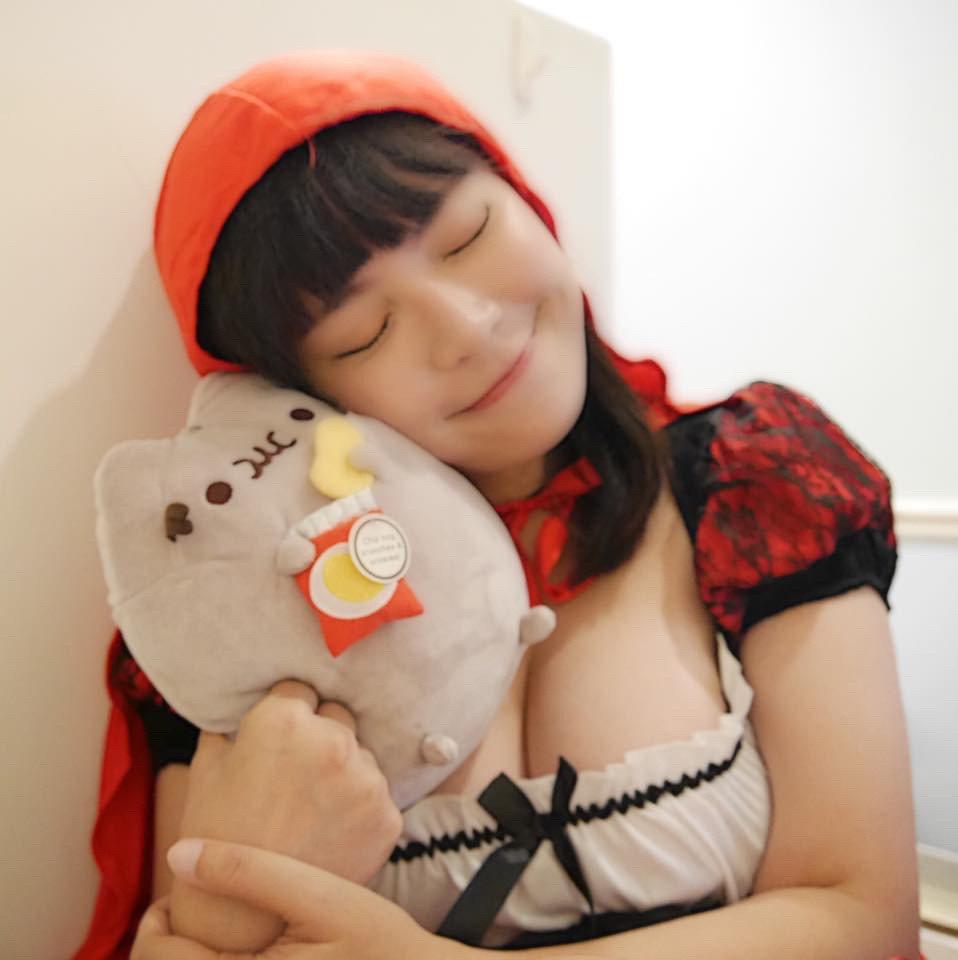 開水小姐扮過小紅帽,好身材引發熱議。圖/量能文創提供