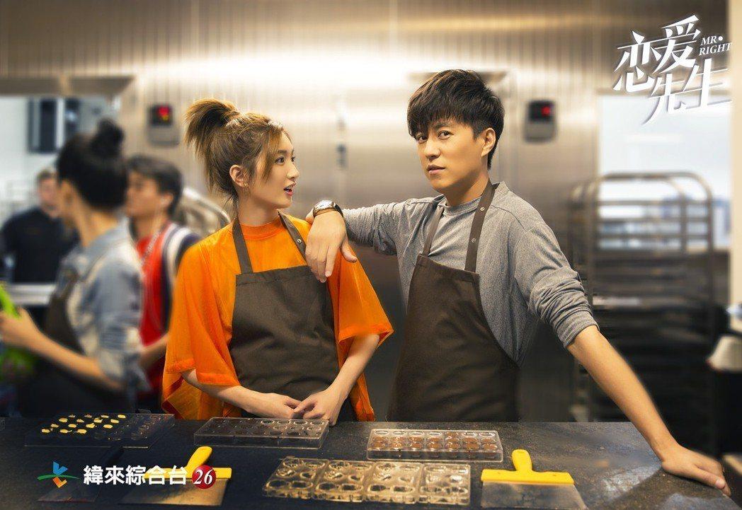 靳東(右)與江影疏合作愉快。圖/緯來綜合台提供