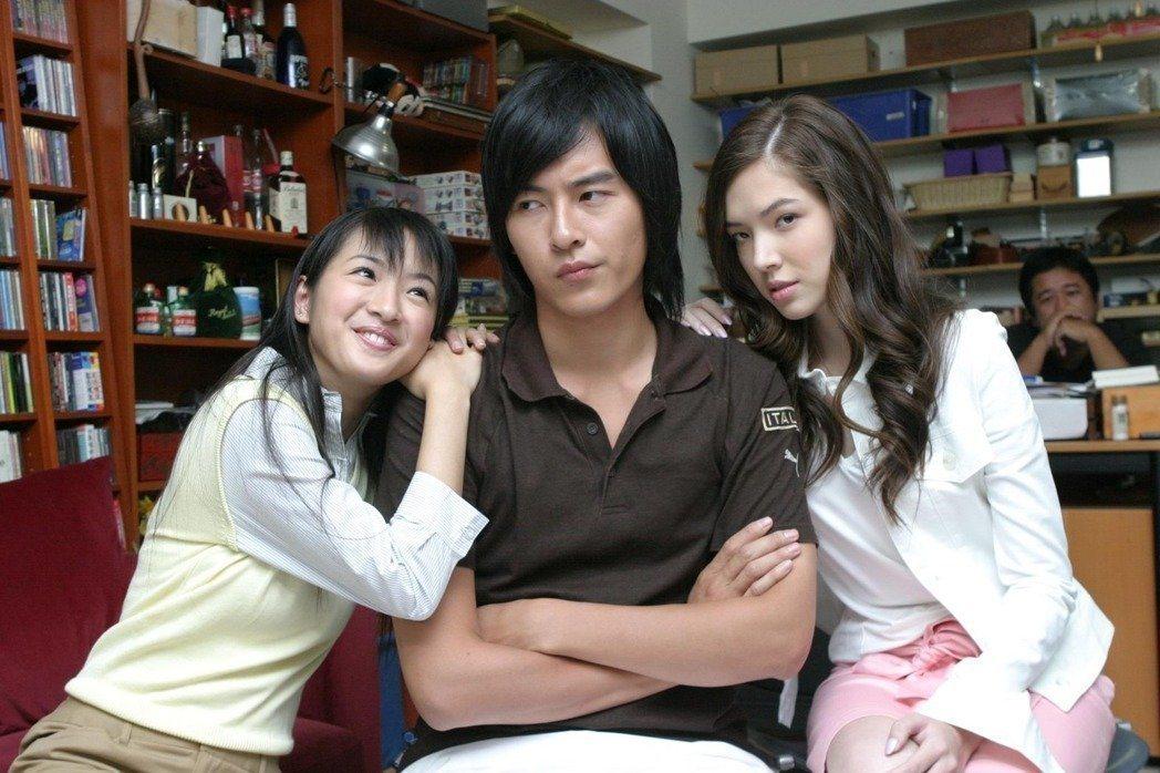林依晨(左起)、鄭元暢、許瑋甯主演的「惡作劇之吻」是許多觀眾心中經典偶像劇。圖/...