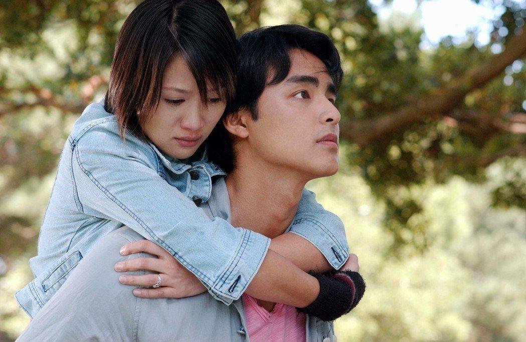 陳喬恩(左)、明道主演的「王子變青蛙」傳出將翻拍。圖/三立提供