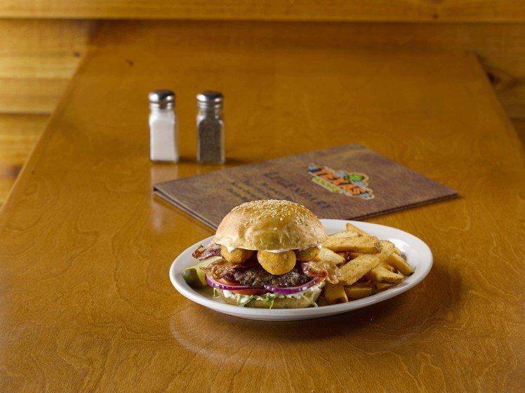 新口味德州辣味起司球漢堡。圖/德州鮮切牛排Texas Roadhouse提供