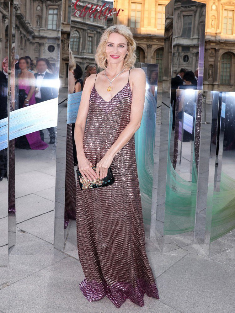 好萊塢女星娜歐蜜華茲出席卡地亞巴黎晚宴。圖/卡地亞提供