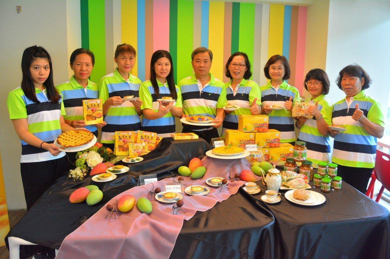 台南國際芒果節左鎮場以芒果和烘焙結合,舉辦轟焙嘉年華。記者吳淑玲/攝影