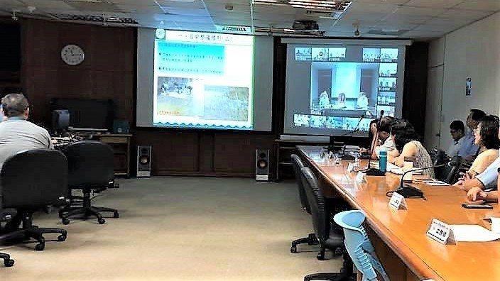 中颱瑪莉亞過境,台灣自來水公司以視訊方式,與各區處開緊急應變會議,掌握自來水供應...