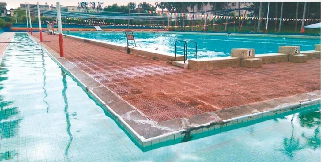 龍潭游泳池委託四季游泳會管理,救國團將終止經營管理合約。 圖/聯合報系資料照片