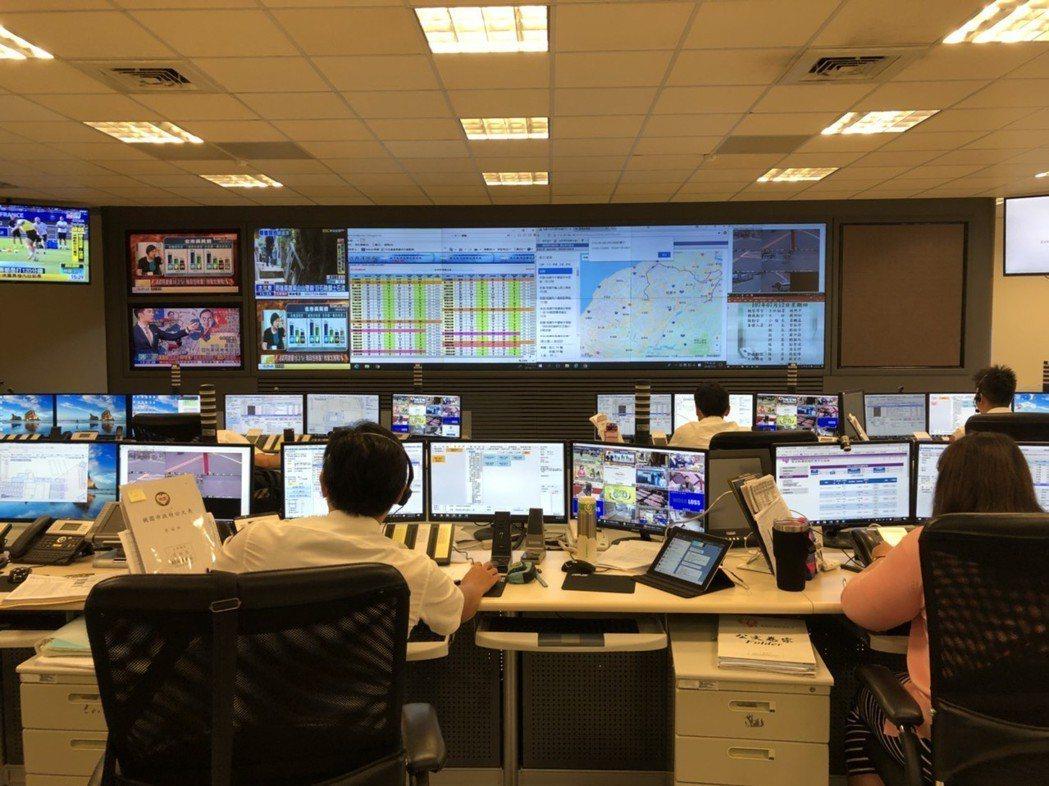 桃園市消防局救災救護指揮中心及各大隊,每日接聽各地的報案求助電話,有過半是無效的...