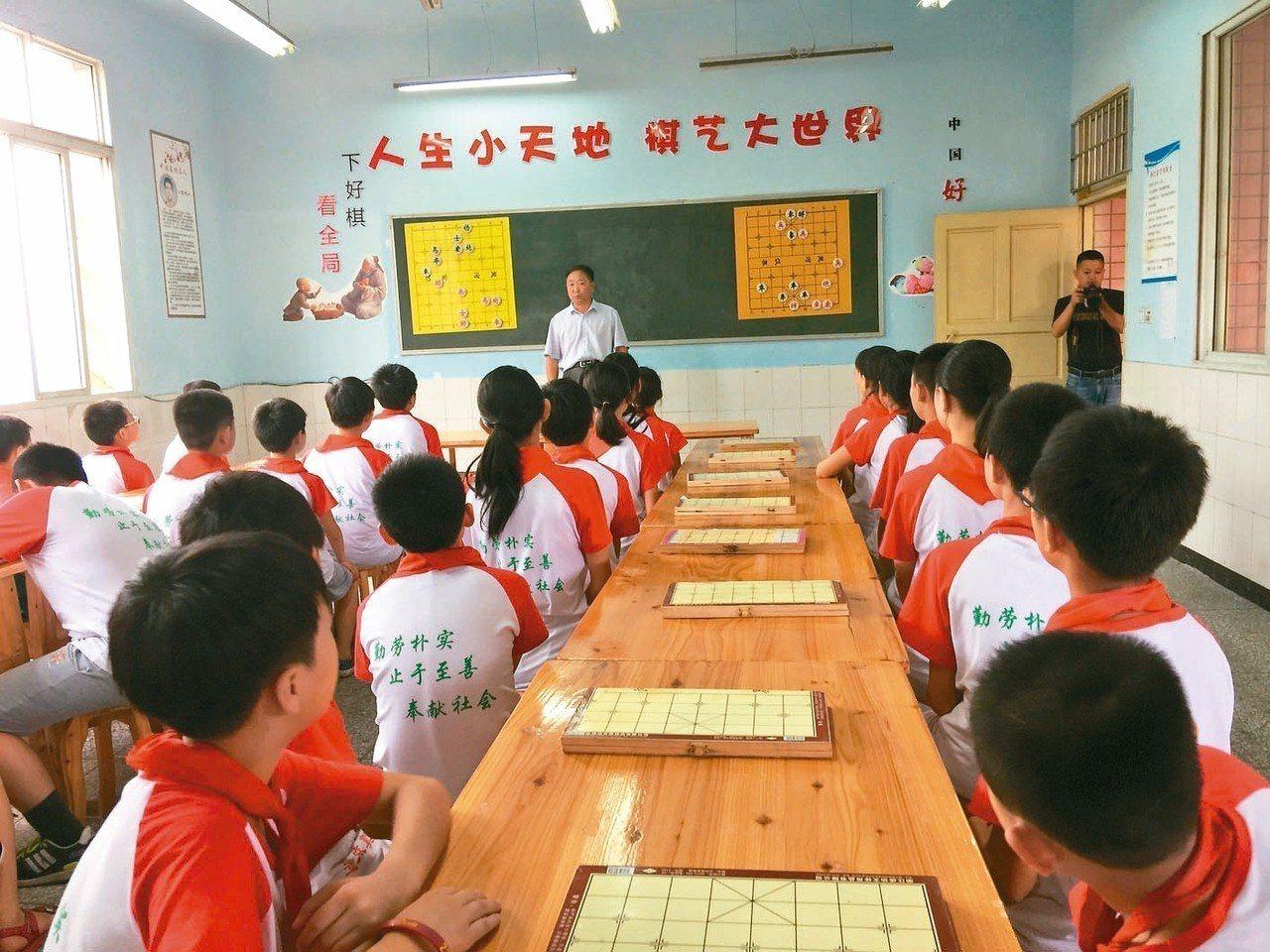 已故台塑集團董事長王永慶捐贈的明德小學,讓大陸偏鄉學校孩子有良好學習環境。 記者...