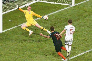 世足精彩進球圖 克羅埃西亞延長賽勁射破網贏球
