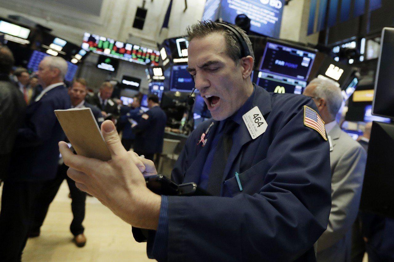 美國威脅將額外對價值2000億美元的中國商品加徵關稅,貿易戰逐步升溫,全球股巿今...