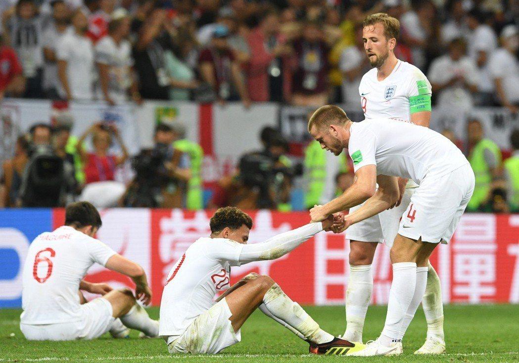 英格蘭領先後在下半場踢得太過保守,但無法像法國一樣守成,反而付出輸球代價。 歐新...