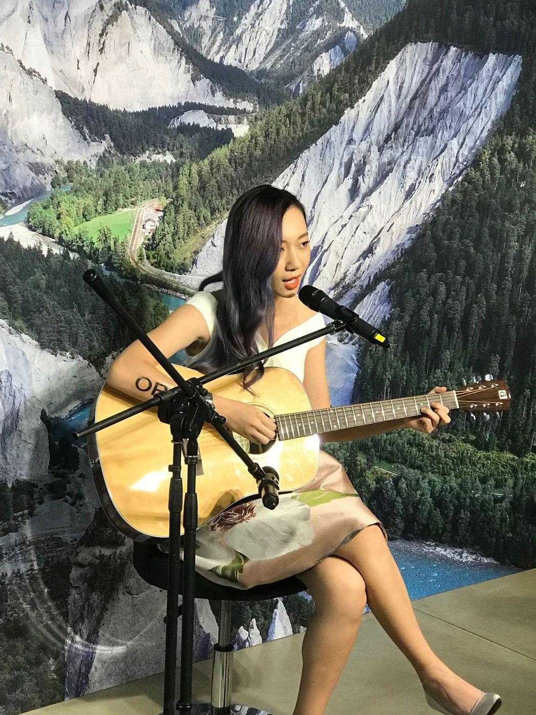 吳卓源(Julia Wu)出席ORIS全新潛水系列腕表上市記者會,發表創作歌曲-...