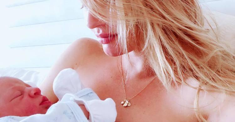 Candice Swanepoel上月誕下二兒子。圖/擷自instagram