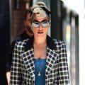 才一天小腹就消失!Lady Gaga復古穿搭不老氣還是藏肉高手