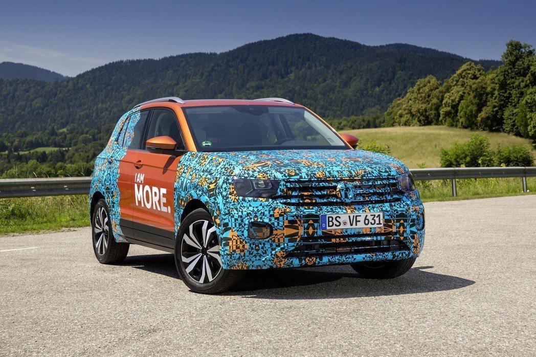 全新Volkswagen T-Cross原型偽裝車。 摘自Volkswagen