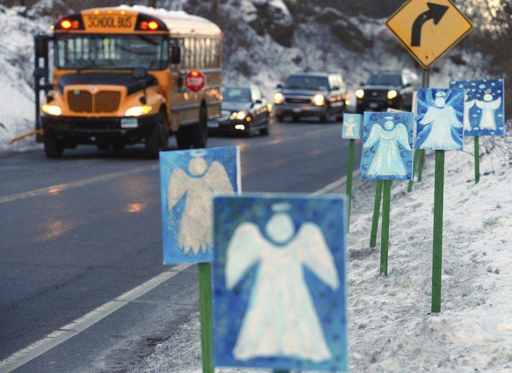 2012年,美國康乃狄克州新城鎮山迪胡克小學發生槍擊案,20名孩童及6名女性教職...