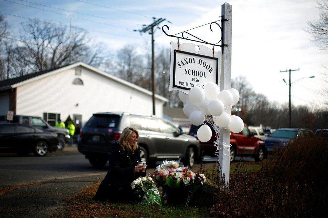 這是美國至今傷亡人數最慘烈的校園濫殺,也是美國刑事犯罪史上單獨從事濫殺案中傷亡人...