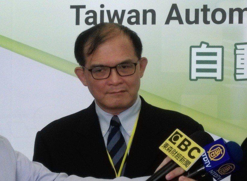工研院機械與機電系統研究所長胡竹生建議,台灣應利用汽車零件製造與半導體優勢,從全...
