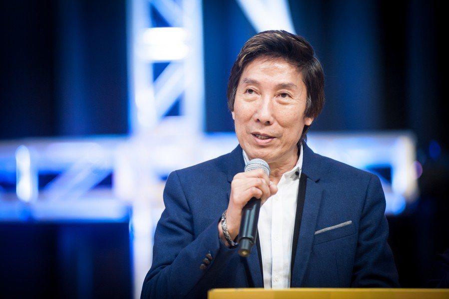 上月因癌症病逝的香港前黑道老大洪漢義,11日舉行安息禮,他也長年關心台灣的監獄和...
