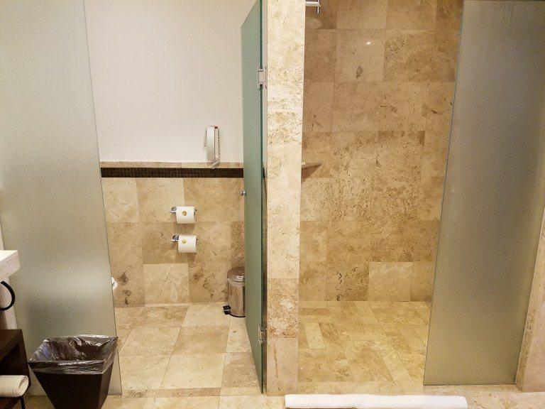 馬桶與淋浴間有分開 圖文來自於:TripPlus