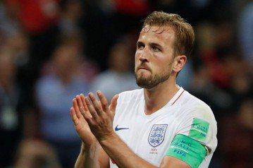 世足決賽門前跌一跤 英格蘭隊長:痛,但會抬頭挺胸