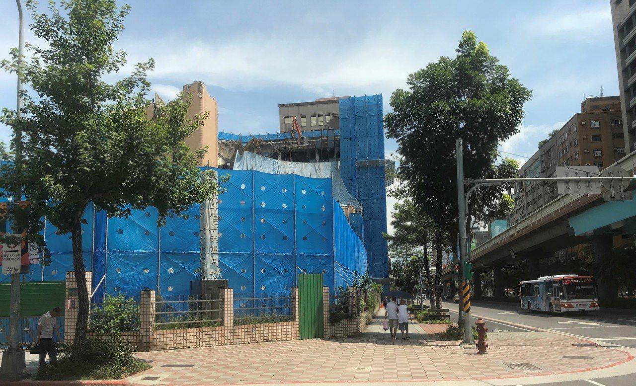 空軍官兵活動中心標售地上權。記者游智文/攝影