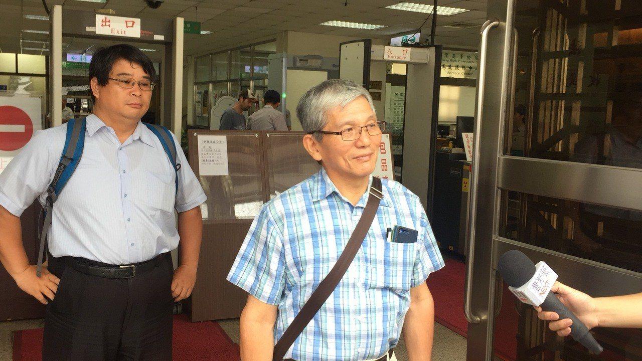 翁仁賢的大哥翁仁焜庭後受訪表示,他至今一點悔意都沒有,最高法院撤銷的理由「莫名其...