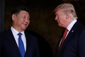 中國大陸國家主席習近平(左)和美國總統川普(右)2017年4月6日在美國佛州海湖...