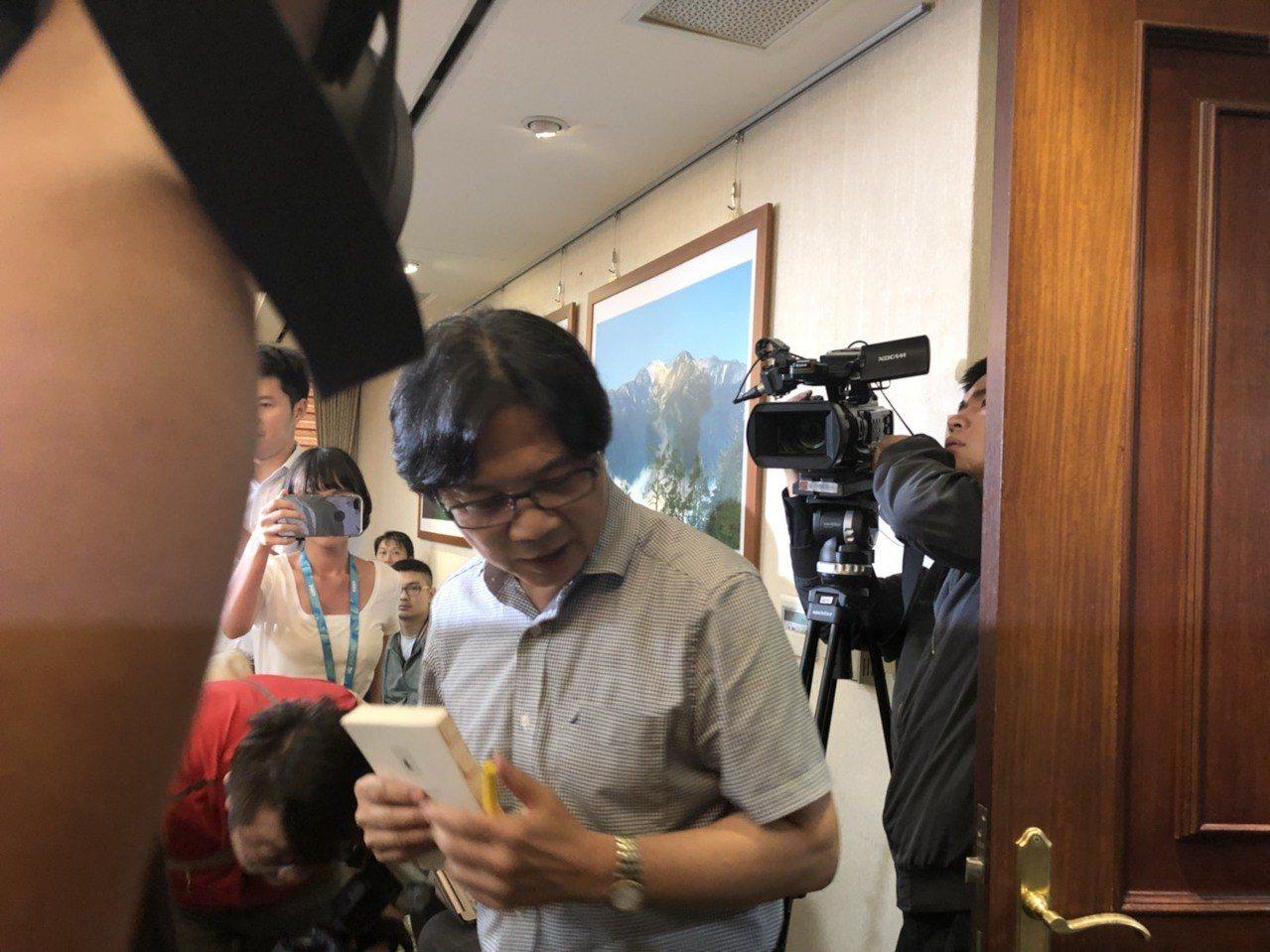 內政部長葉俊榮即將接任教育部長,舉行記者會11分鐘就快閃。記者丘采薇/攝影
