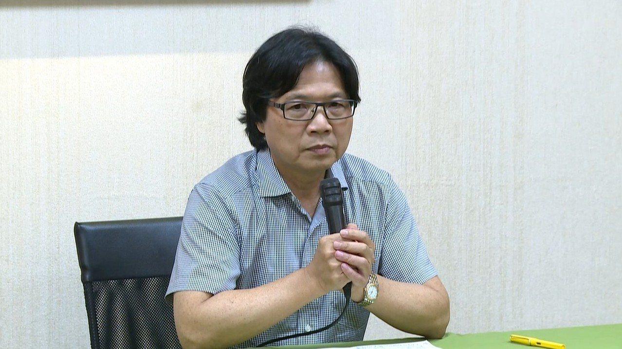 即將轉任教育部長的葉俊榮下午在內政部舉辦記者會,說明心路歷程。記者莊昭文/攝影