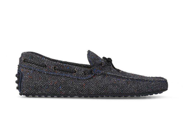 TOD'S軟呢繫帶豆豆鞋,19,200元。圖/迪生提供