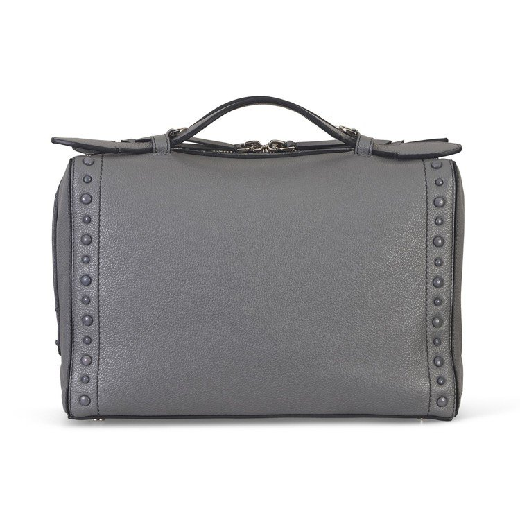 TOD'S Gommino Bag,66,700元。圖/迪生提供