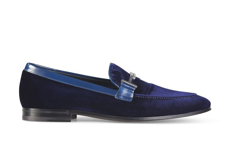 TOD'S Double T 絲絨樂福鞋,24,000元。圖/迪生提供