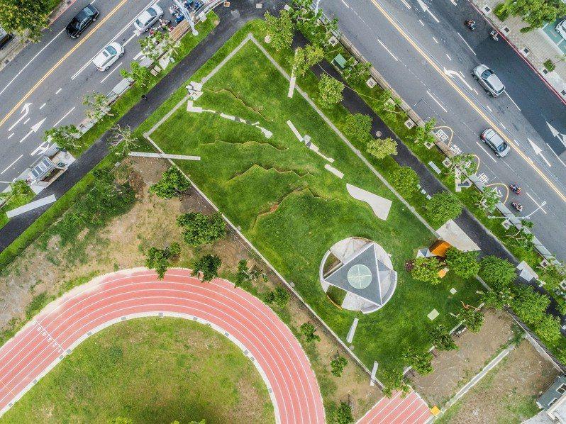 高雄81氣爆紀念裝置藝術「記憶的漣漪 」的鳥瞰全景圖。圖/高雄市文化局提供
