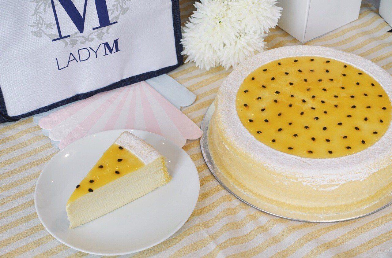 百香果千層蛋糕,單片280元、9吋2,800元。記者沈佩臻/攝影