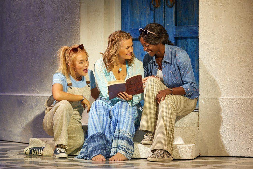 「媽媽咪呀!」音樂劇年底將重回寶島演出。圖/寬宏藝術提供