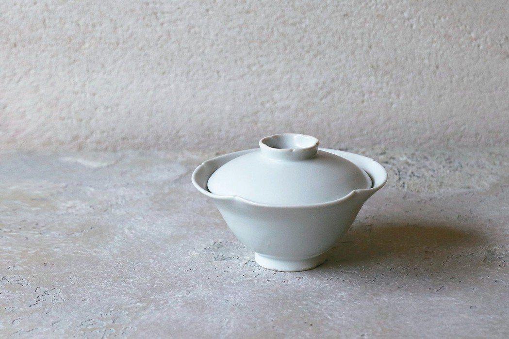柏木円的瓷器瑩潤有表情。 圖/森/CASA提供