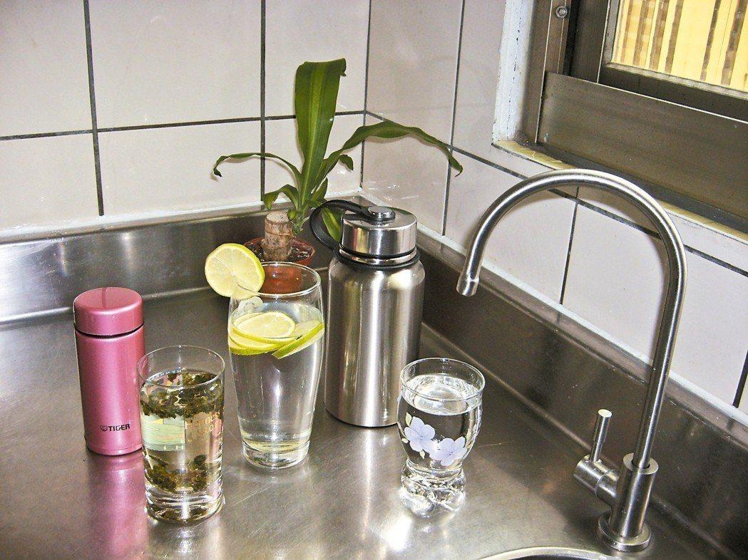 外出隨身備水,應不時之需,因為不是每個去處都方便購水。 圖/張子筑(台中市)