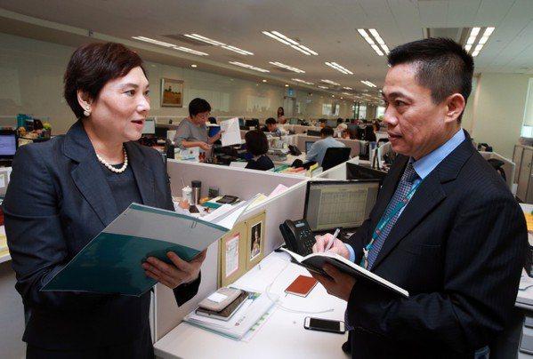 台灣人壽副總經理高鶯娟本身是超業,也擅長培養超級業務員。 記者/徐兆玄攝影
