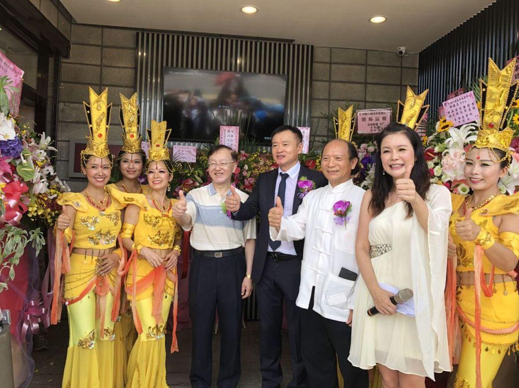 「悅動人體復原健康中心」位於台北市北平東路的首家旗艦店開幕營運,未來將在全台各縣...