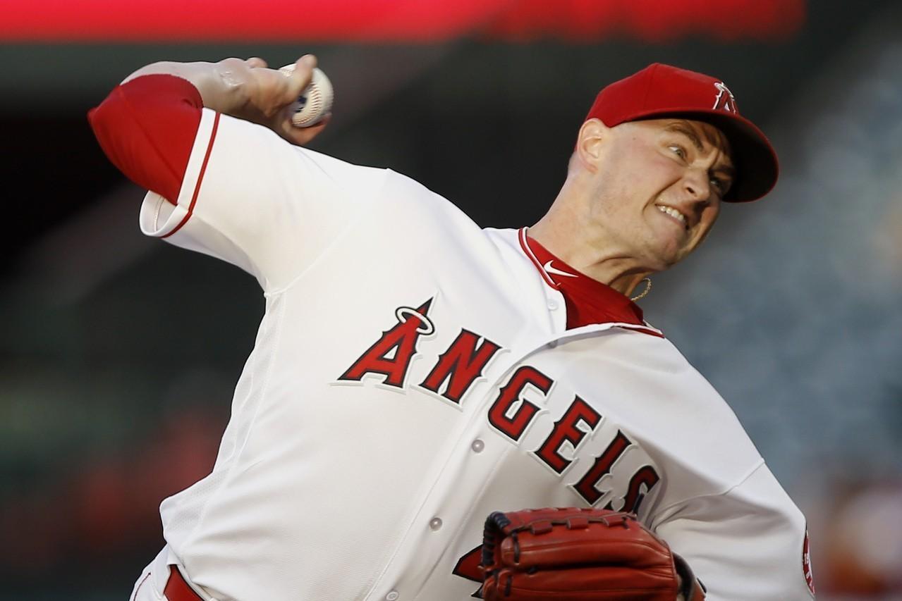 天使右投李查茲將接受韌帶重建的湯米約翰手術,本季確定報銷。 美聯社