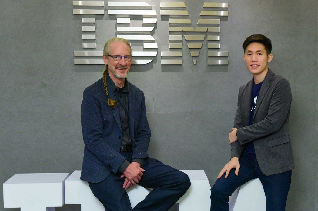 IBM X-Force Exchange首席架構師 Ron Williams 與...
