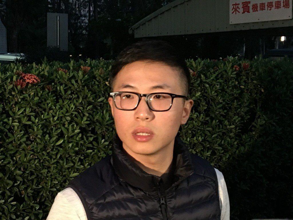 葉少爺酒駕案當事人葉冠亨假釋出獄後面對媒體,他說,對被害人家屬感到抱歉。本報系資...