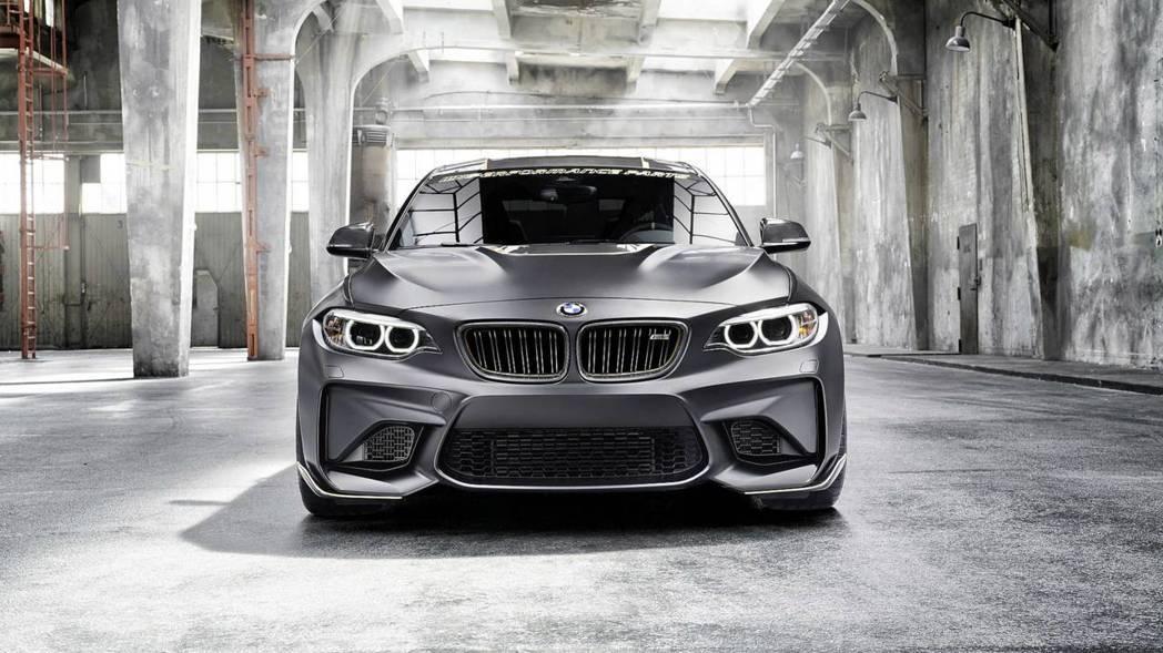 碳纖維裝好裝滿的BMW M2 M Performance Parts Concept。 摘自BMW