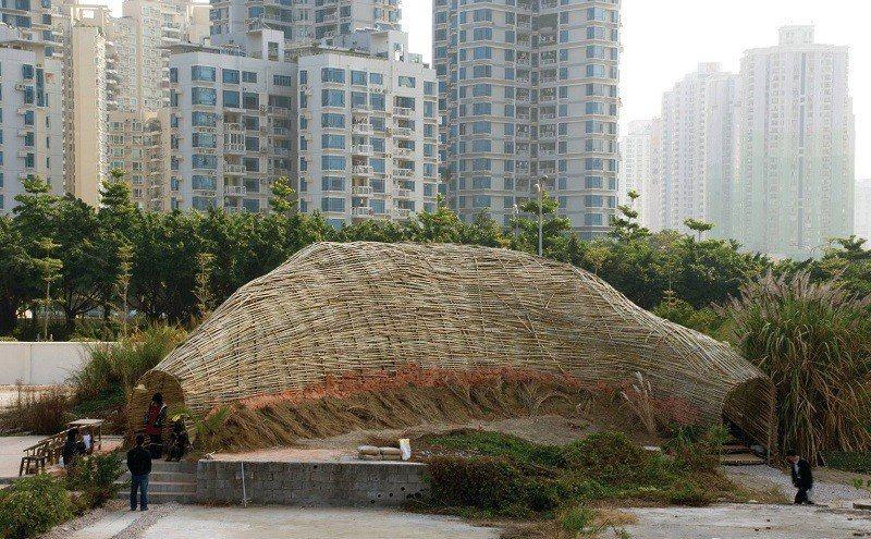 作品《繭》,於2009年「深港城市\建築雙城雙年展」展出