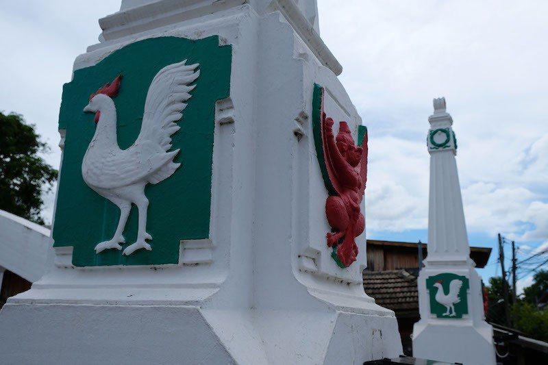 白橋橋墩上白色公雞也是必拍熱點。