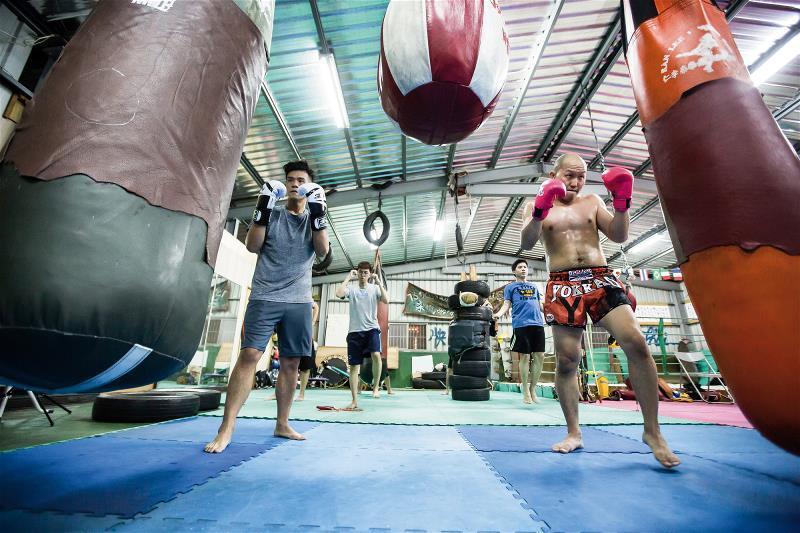 仁李泰拳館著重加強拳腳。