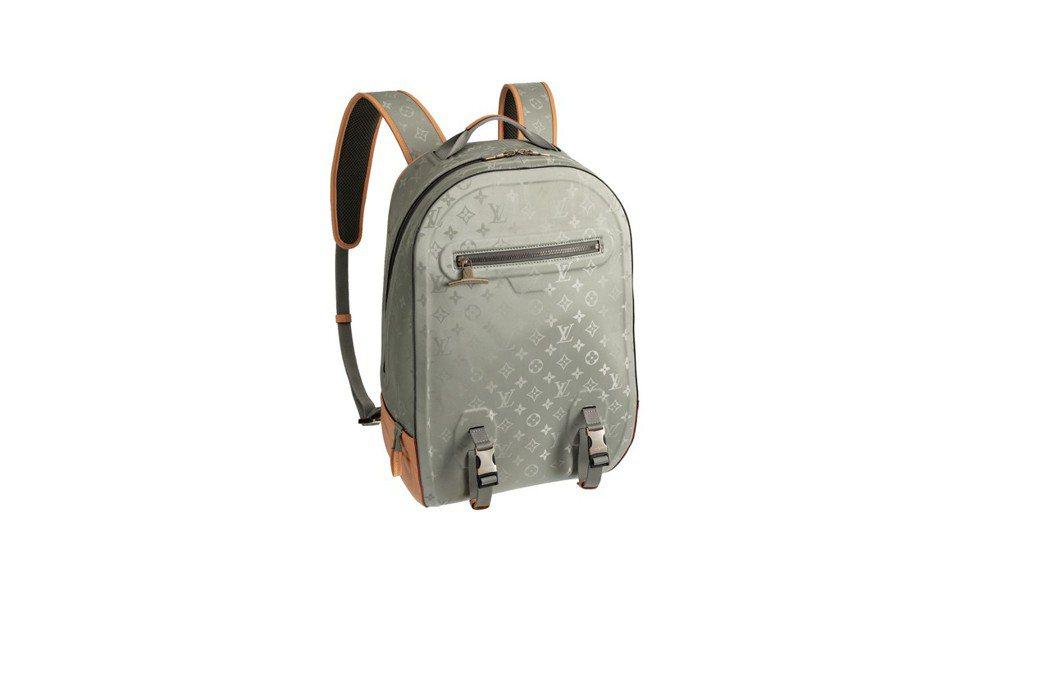 鈦金屬光感Monogram Titanium後背包,售價11萬2,000元。圖/...