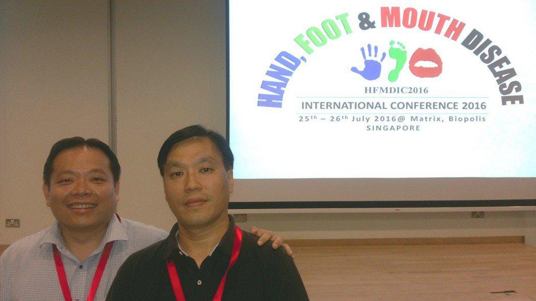 長庚大學醫學院生醫系副教授王永樑(右)與新加坡國立大學醫學院副教授Justin ...